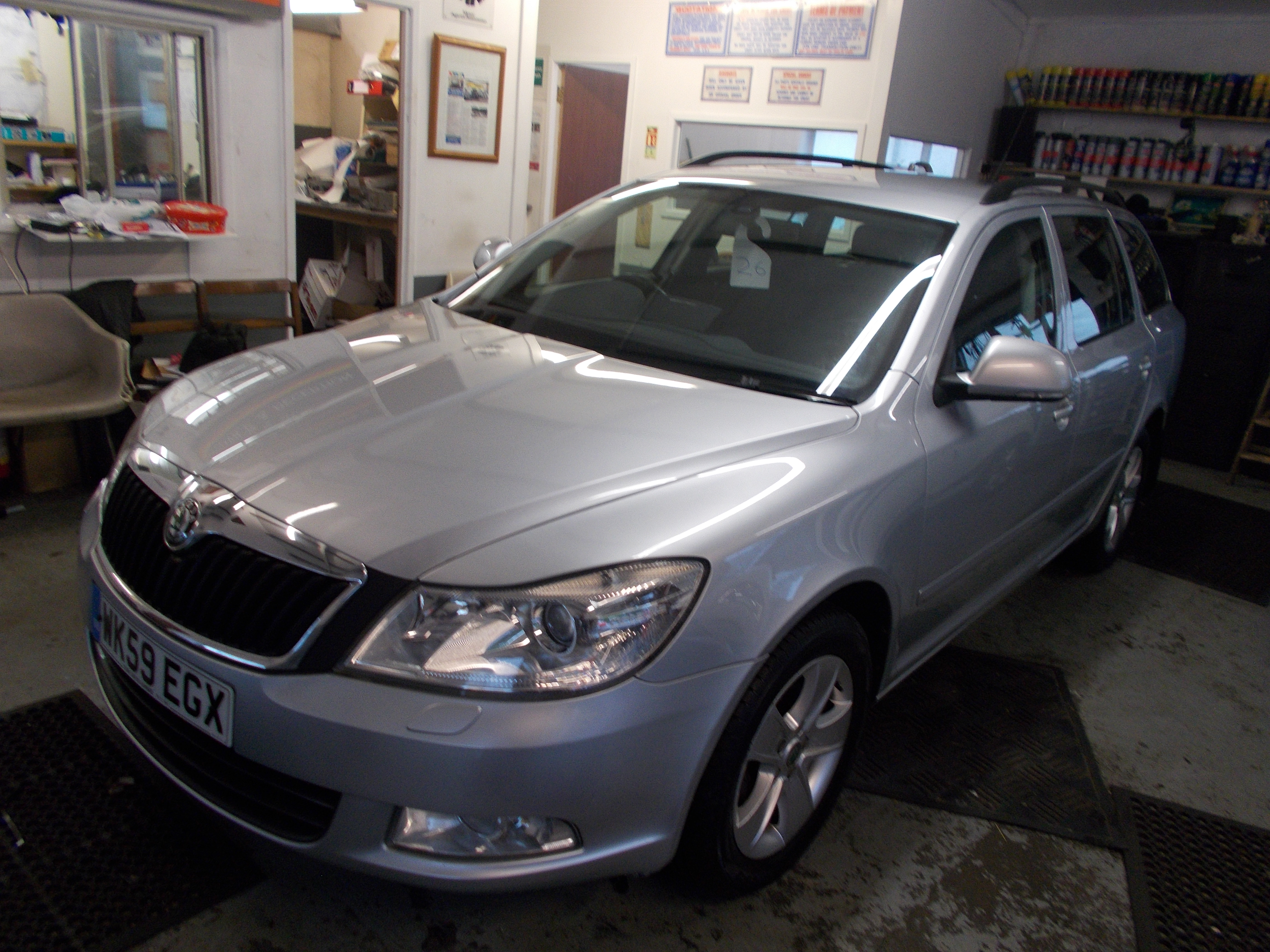 skoda octavia 1 4 tsi 122bhp dsg elegance 5dr estate. Black Bedroom Furniture Sets. Home Design Ideas