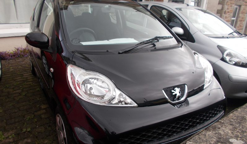 Peugeot 107 1.0 2-Tronic Urban, 3DR, H/B, BLACK MET, 29000 MILES ONLY, £20 ROAD TAX, VERY CLEAN EXAMPLE full