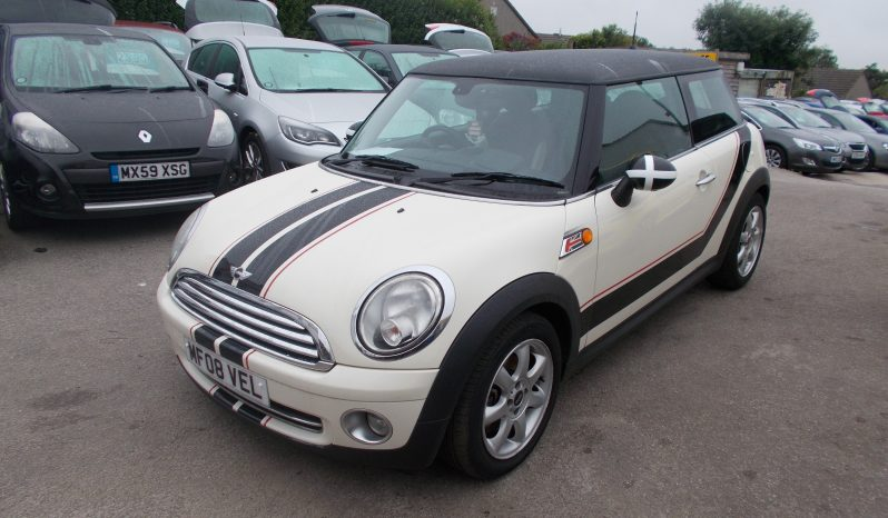 Mini Mini 1.6 ( 120bhp ) ( Chili ) Cooper, 3DR, H/B, WHITE, LOW MILES ONLY, HALF LEATHER, VERY CLEAN EXAMPLE full
