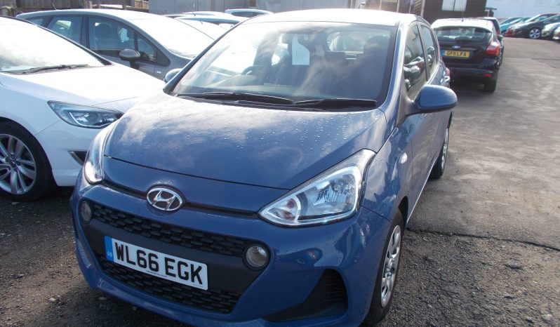 Hyundai i10 1.0 ( 66ps ) 2017MY SE, 5DR, H/B, £20 ROAD TAX, 4000 MILES ONLY, VERY CLEAN EXAMPLE full