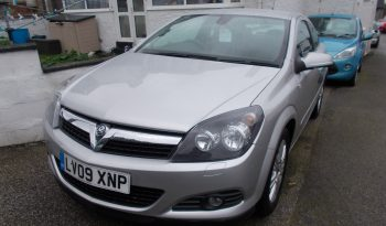 Vauxhall/Opel Astra 1.8i 16v VVT ( 140ps ) auto 2010MY Design, 3DR, H/B, SILVER MET, 28000 MILES ONLY, VERY CLEAN EXAMPLE full