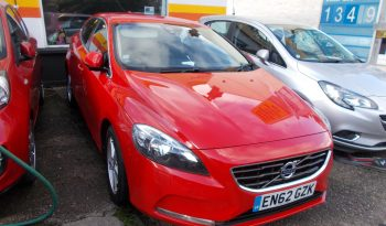 Volvo V40 1.6TD D2 ( 115bhp ) 2013MY SE, 5DR, H/B, RED, LOW MILES, £0 ROAD TAX, HALF LEATHER, VERY CLEAN EXAMPLE full