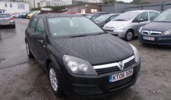 Vauxhall/Opel Astra 1.4i 16v 2006MY Club, 5DR, H/B, BLACK MET, VERY CLEAN EXAMPLE full