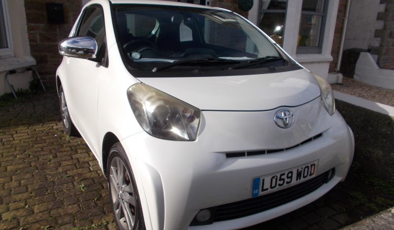 TOYOTA IQ 1.3, 2DR, H/B, WHITE, £30 ROAD TAX, VERY CLEAN EXAMPLE full