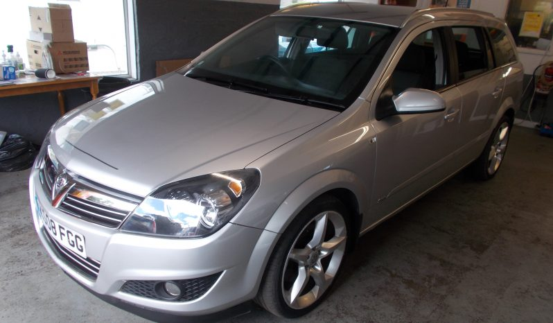 VAUXHALL ASTRA ESTATE 1.9 CDTI SRI, 5DR, H/B, SILVER MET, LOW MILES, VERY CLEAN EXAMPLE full