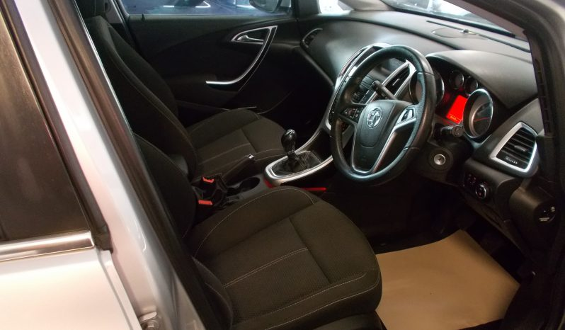 VAUXHALL ASTRA 2.0 CDTI SRI, 5DR, H/B, SILVER MET, 54000 MILES ONLY, VERY CLEAN EXAMPLE full